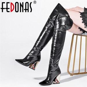 Женские сапоги выше колена FEDONAS, черные вечерние сапоги из натуральной кожи с заклепками, обувь для верховой езды большого размера на осень ...