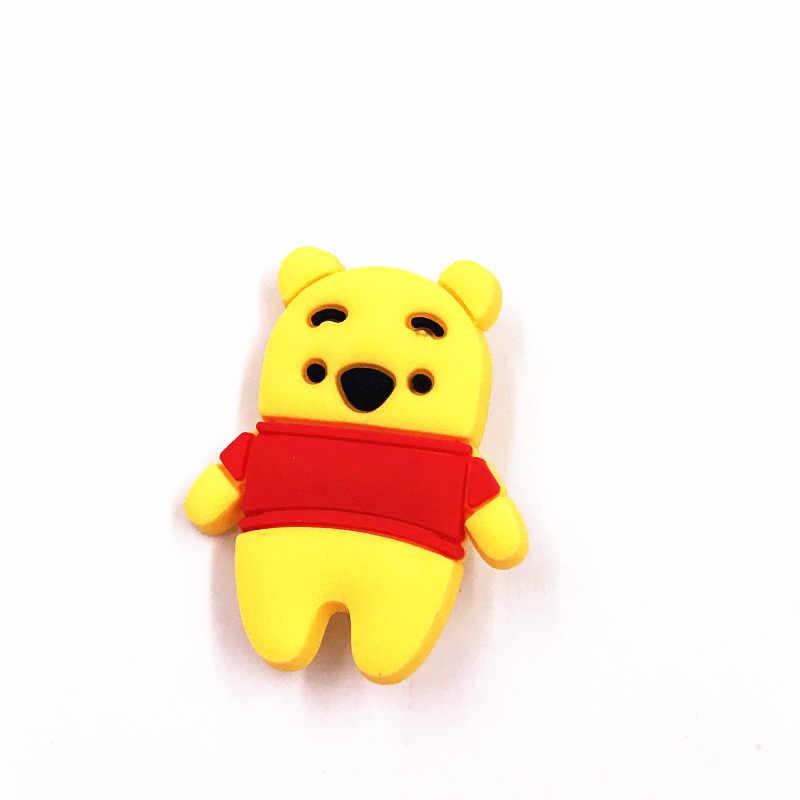 1Pcs Per Bambini Presenta T-Shirt Pannello Esterno Della Decorazione Bella Winnie Orso PVC Etichetta Mickey Spille Donna Bambini Popolare Distintivi e Simboli