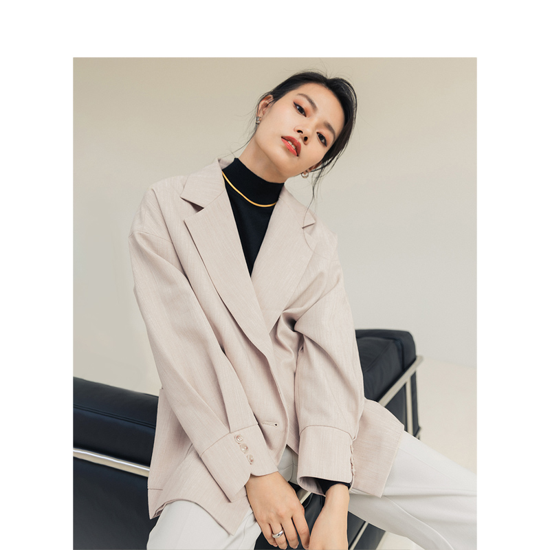 INMAN 2020 Spring Retro Office Style Turn Down Collar Double Breasted Folded Sleeve Tailored Down Collar Women Fashion Suit