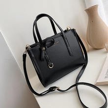 Luxury Women's Bag Fashion Women Simple Solid Color Polyeste