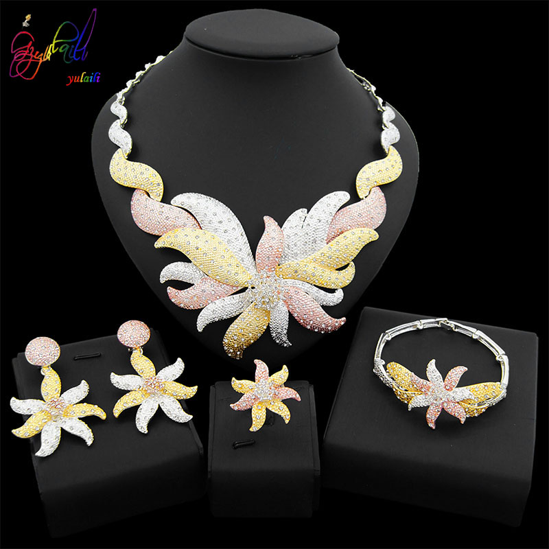 Yulaili 2019 New Arrival Women Party Dubai Gold Crystal Pendant Earrings African Flower Necklace Wedding Fashion Jewelry Sets