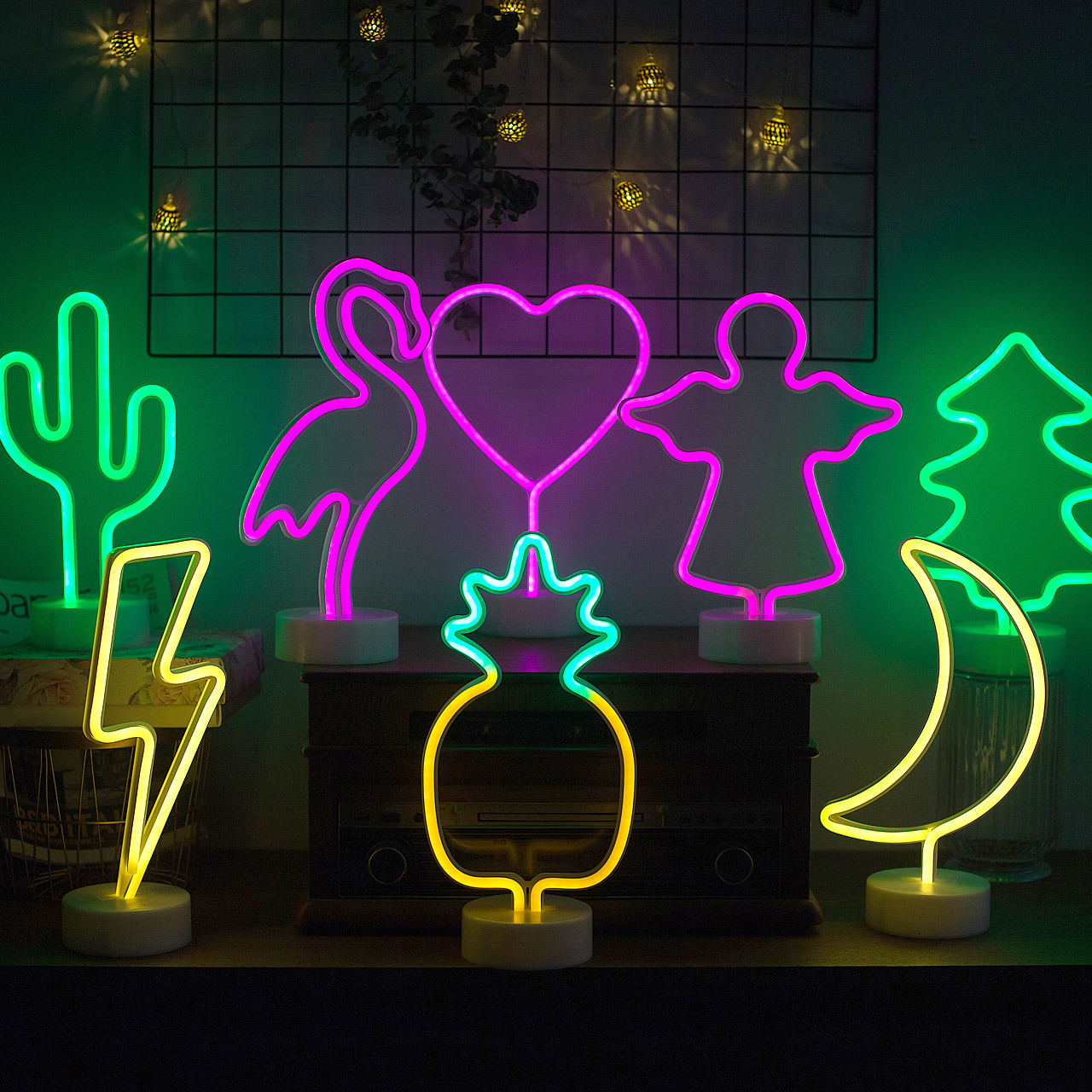 INS Europe And America Korean Style LED Modeling Lamp Pineapple LED Decoration Small Night Lamp Christmas Holiday Base Neon Ligh