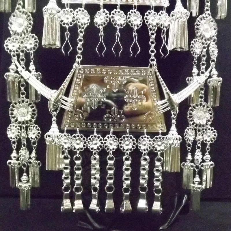 מיעוט שבטי בהיר אלקטרוליטי נשים של גדול צווארון ביצועים ריקוד פסטיבל נשי שרשרת תכשיטי pusheen