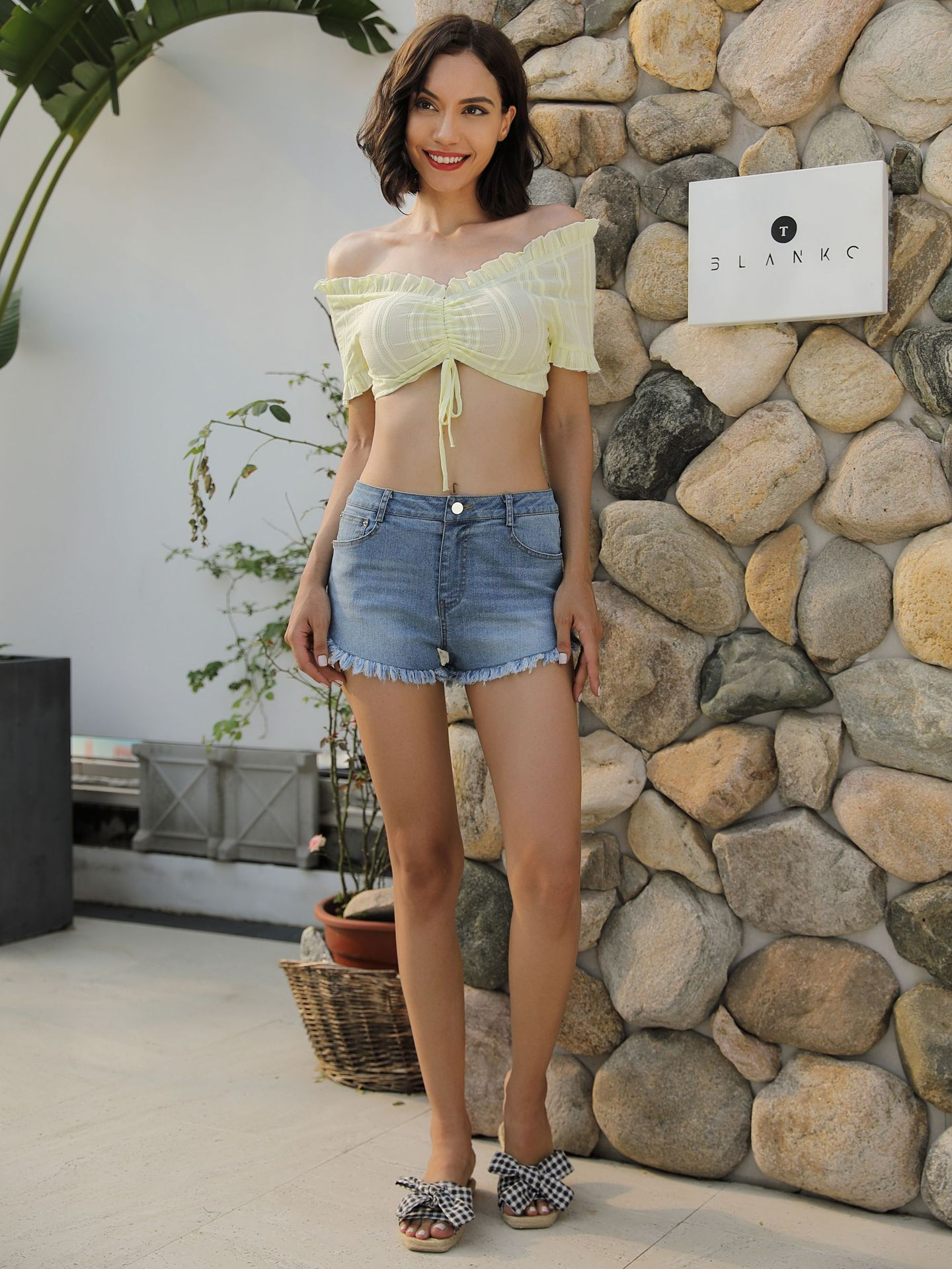 Fashion Casual Summer Cool Women Denim Shorts Pants Korean Style High Waists Sexy Short Jeans Pants