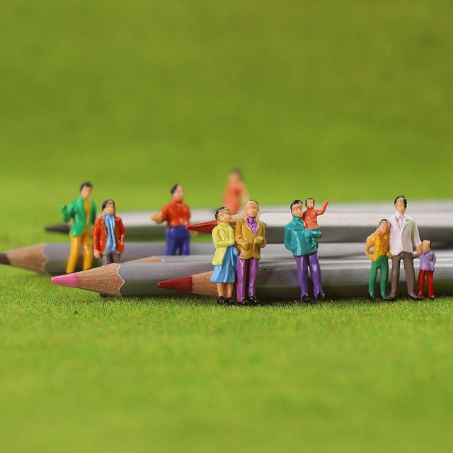 100pcs HO Scale Painted Figures People Model Scale 1:87 Model Train Passengers Assorted Pose 6