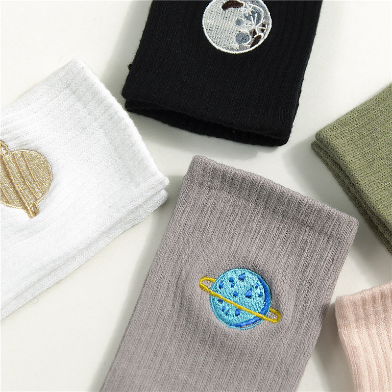 Embroidered Crew Cotton Women Socks 2019 Autumn Winter New Trend Motion Solid Color Cute Planet Fashion Style Socks Women