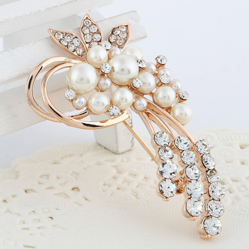 Vintage Gold Brooch Pins Austria Crystals Imitation Pearl Flower Brooch Wedding Accessories CLOVER JEWELLERY