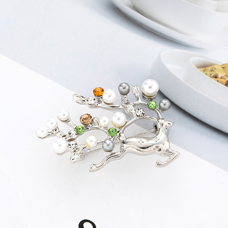Wuli&baby Pearl Deer Brooches Women Men Rhinestone Deer Christmas Brooch Pins Gifts