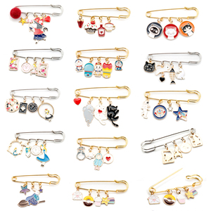 14 styles Jewelry Brooch Buckle Pin Alice Rabbit Brooches pins Women Safety Pins Men Children Bags Hat Cartoon pin Gifts