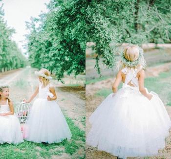 Cute Ball Gown Flower Girls Dresses For Weddings Tulle Lace Floor Length White Ivory Little Girls Dresses Communion Dresses