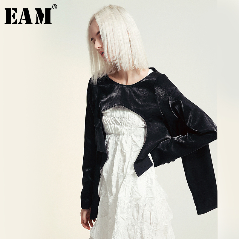 [EAM] Loose Fit Glossy Personality Short Jacket New Round Neck Four Long Sleeve Women Coat Fashion Tide Spring Autumn 2020