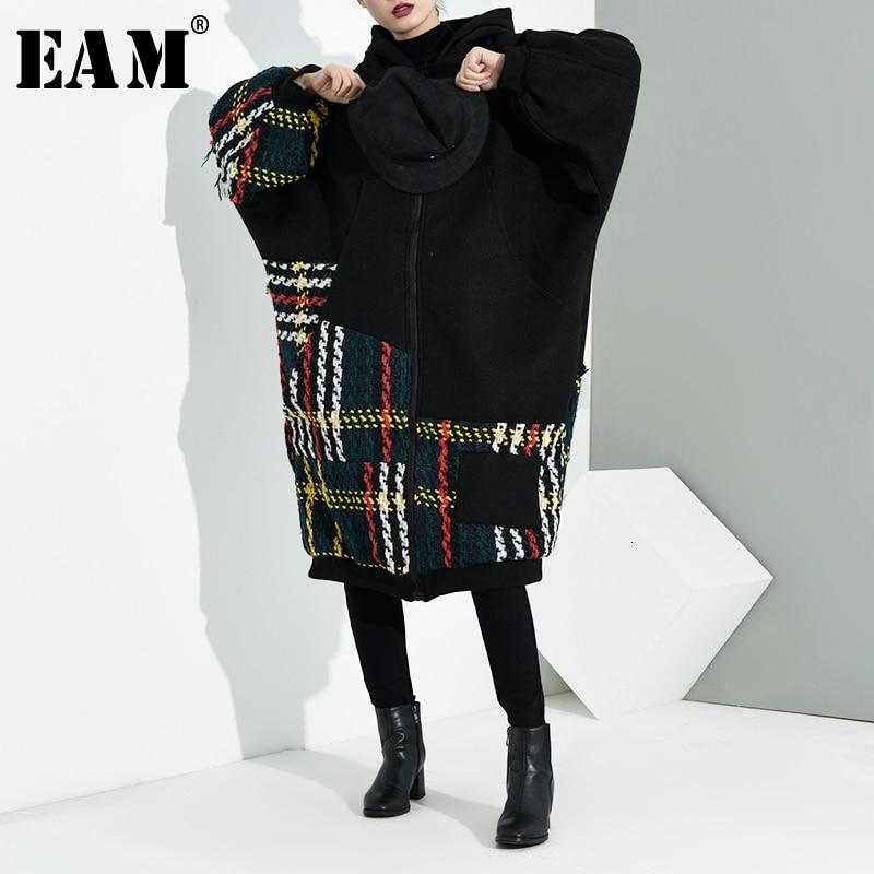 [EAM] Loose Fit Black Plaid Split Big Size Jacket New Hooded Long Sleeve Women Coat Fashion Tide Spring Autumn 2020  A713-01