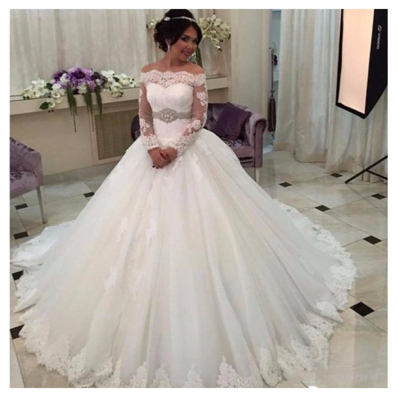 E JUE SHUNG Off The Shoulder Ball Gowns Weeding Dresses Long Sleeve Saudi Arabia Lace Appliques Crystal Sash Button Bride Gowns