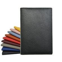 Capa para carteira de passaporte de couro legítimo, capa macia de cor sólida para uso com nome personalizado, 100% logotipo do logotipo