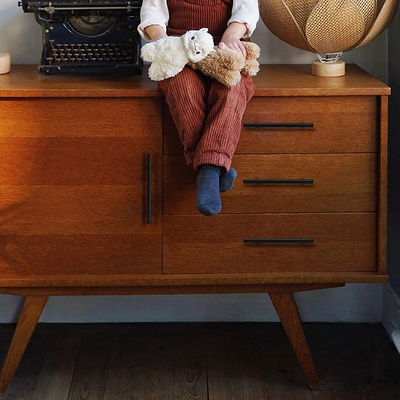 Плоский черный современный шкаф с ручкой для выдвижных ящиков, кухонный шкаф, Т-образный выдвижной комод, набор регуляторов, отверстие для отверстия, 25 шт. в упаковке