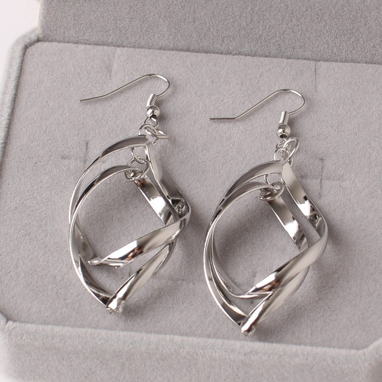 Japan and South Korea Fashion Explosion Style Temperament Fresh Joker Twisted Double Layer Earrings Wholesale 4