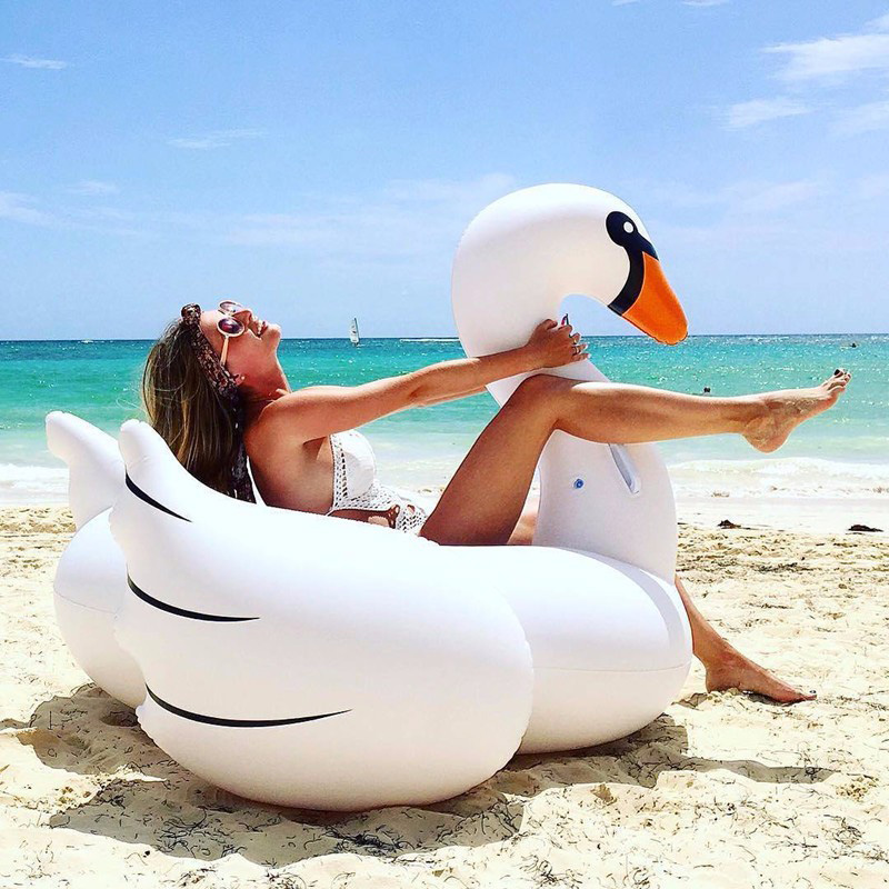 2020 Hot Swim Ring Giant Inflatable Swan Pool Float Ride-On Swan Pool Swimming Ring Holiday Water Toys Islands Boias Piscina