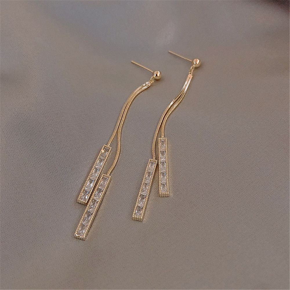 LISM new copper-inlaid zircon square-shaped long face slim and simple temperament ladies tassel earrings popular jewelry