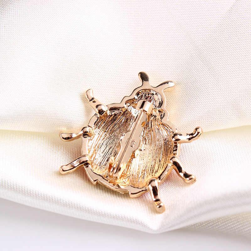 High-end Sveglio a Sette stelle Coccinella Insetto Spilla Colletto Della Camicia Delle Donne di Piccolo Animale Smalto Spilli Sciarpa Fibbia Uomini accessori di gioielli