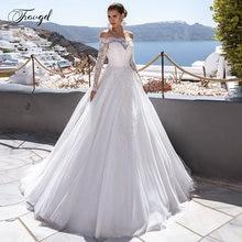 Кружевное свадебное платье трапеция с вырезом лодочкой и аппликацией