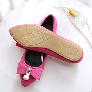 Image 5 - BEYARNE2019 zapatos planos de perlas para mujer, zapatos náuticos coreanos, zapatos de cristal para mujer, de talla grande, zapatos cómodos para womenE1146