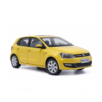 цена на 1/18 Scale V Alloy Diecast Car Static Miniature Model For 2013 POl0 Toy Vehicle Collection With Original Box Kids Adults Gift