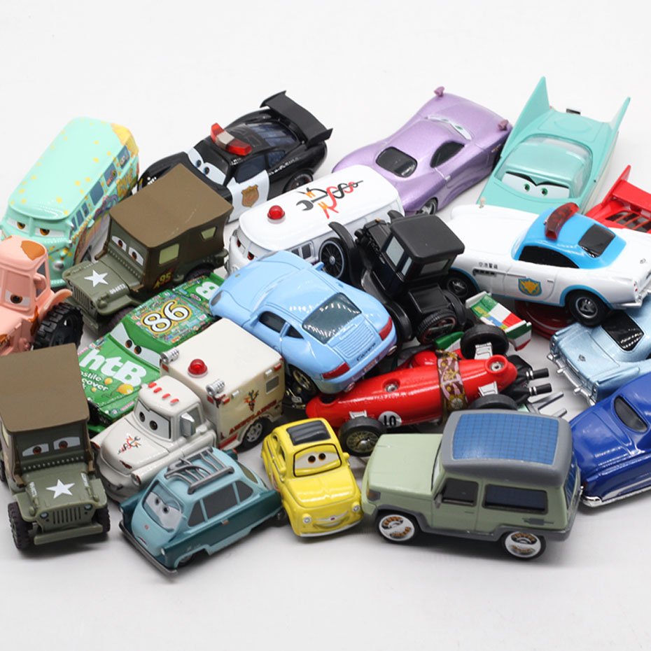 Disney Pixar Cars 2 3 Lightning McQueen Mater Jackson Storm Ramirez 1:55 Diecast Vehicle Metal Alloy Boy Kid Toys Christmas Gift