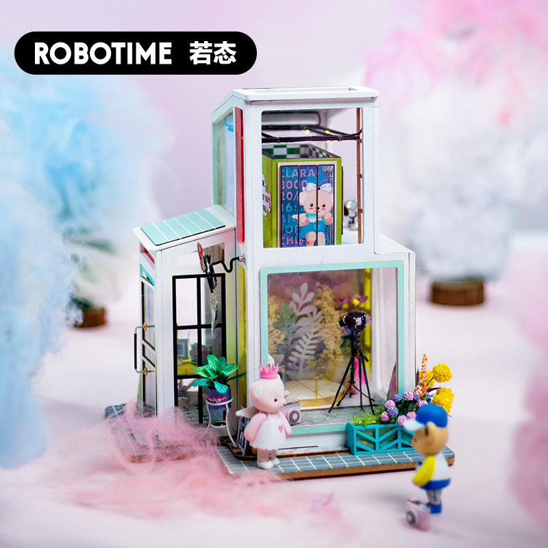 Robotime Handmade DIY Teddy Cabin Boxing Loving Assembled Architecture Model Creative Valentine's Day Gift Women's Birthday