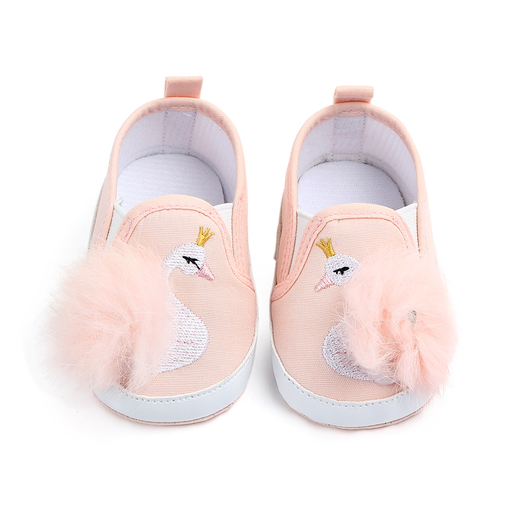 Spring And Autumn Pompon Baby Shoes Cute Cartoon Beautiful Swan Canvas Baby Girl Princess Shoes Soft Sole Newborn Toddlers Shoes