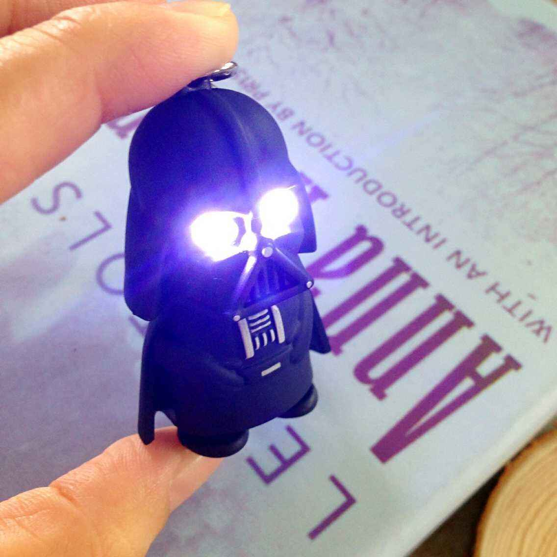 LED Darth Vader star wars Leucht action figure licht coole geschenke yoda Anakin Skywalker abbildung Taschenlampe schlüsselanhänger