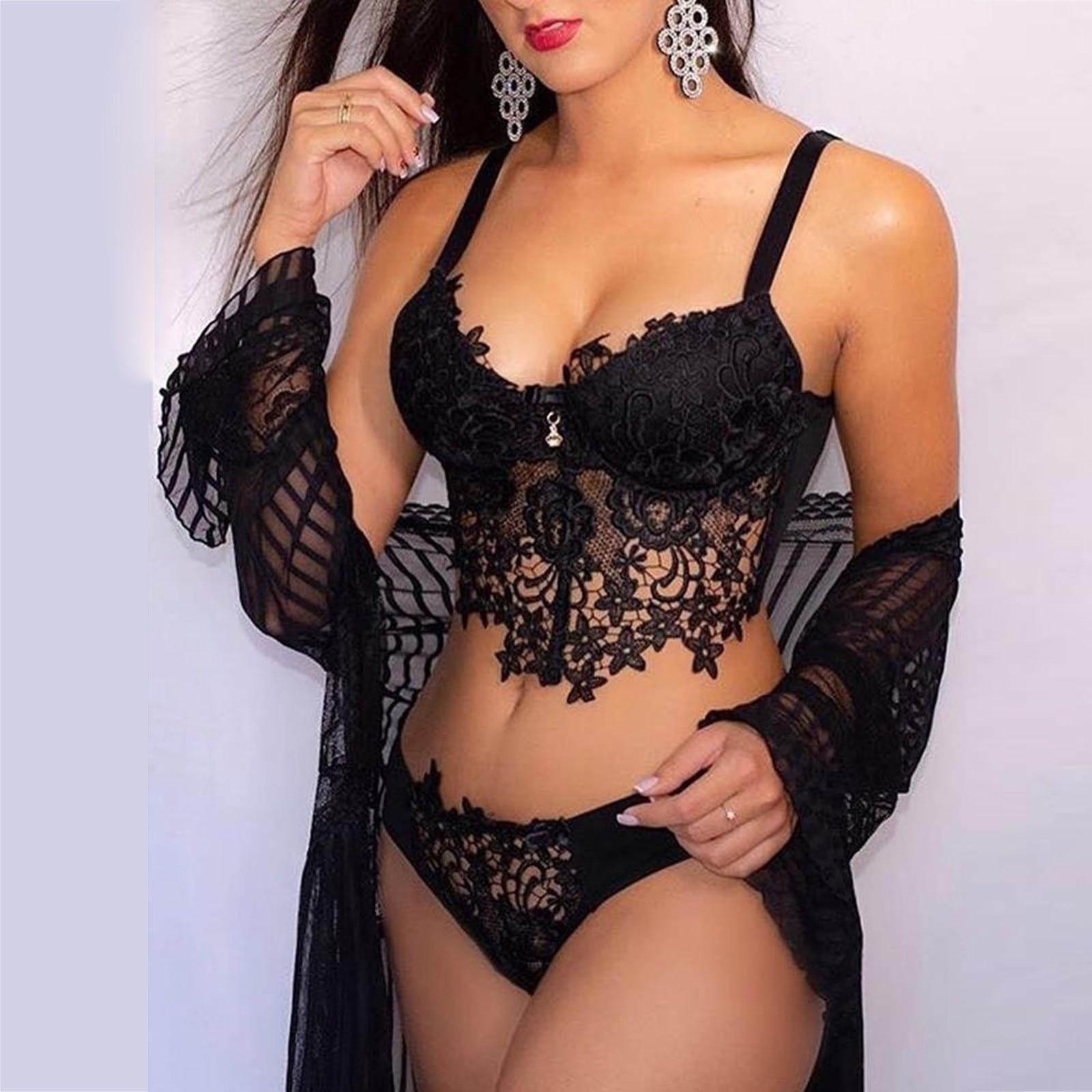 Ensemble Sexy lingerie pour femmes en broderie dentelle soutien-gorge string