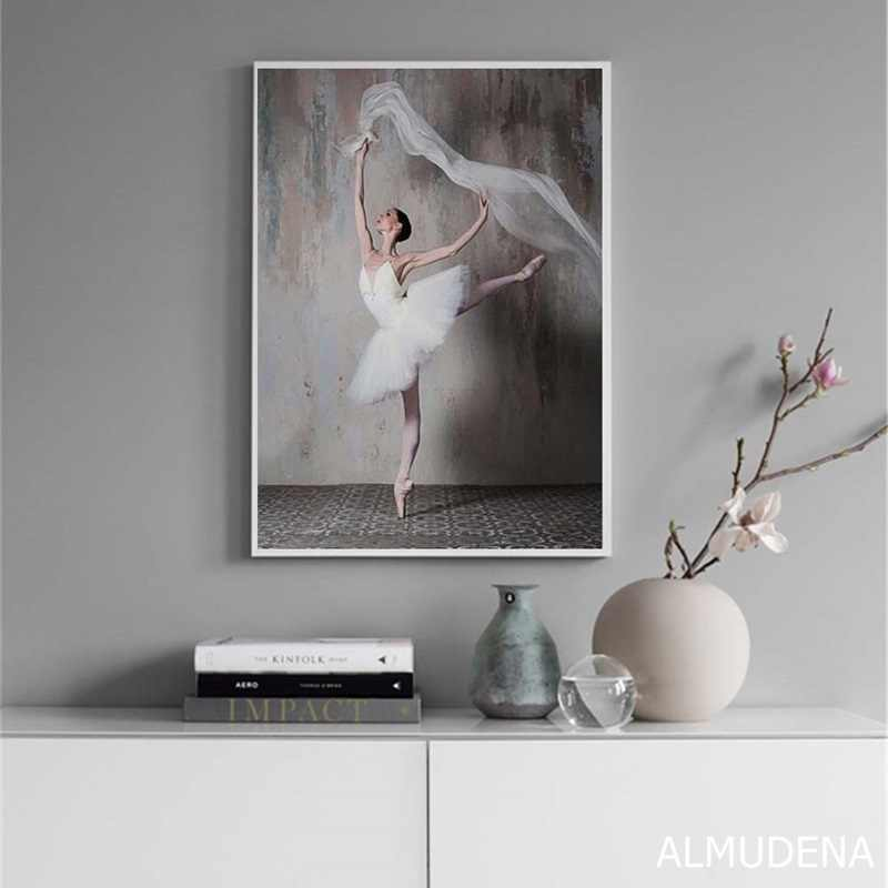 Retro Nostalgic Ballerina Beauty Pictures Simple Modern Living Room Decor Painting Nordic Decoration Home Canvas Wall Art Poster