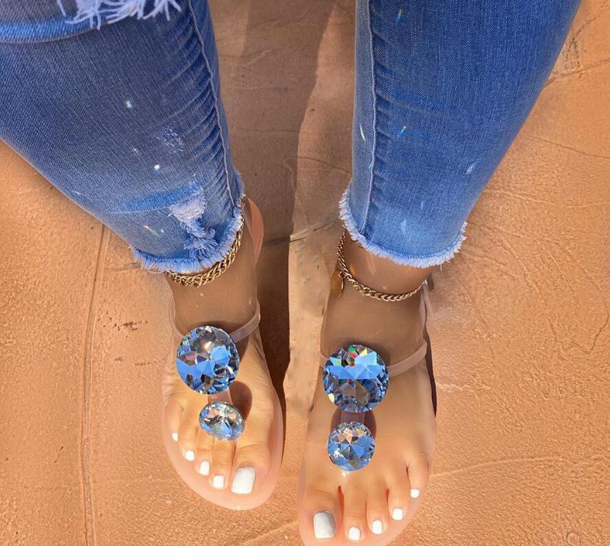 Lager Size Women Sandal Summer Explosion Diamond Woman Sandals Female Crystal Slippers Jelly Shoes Flat with Fashion Beach Shoes