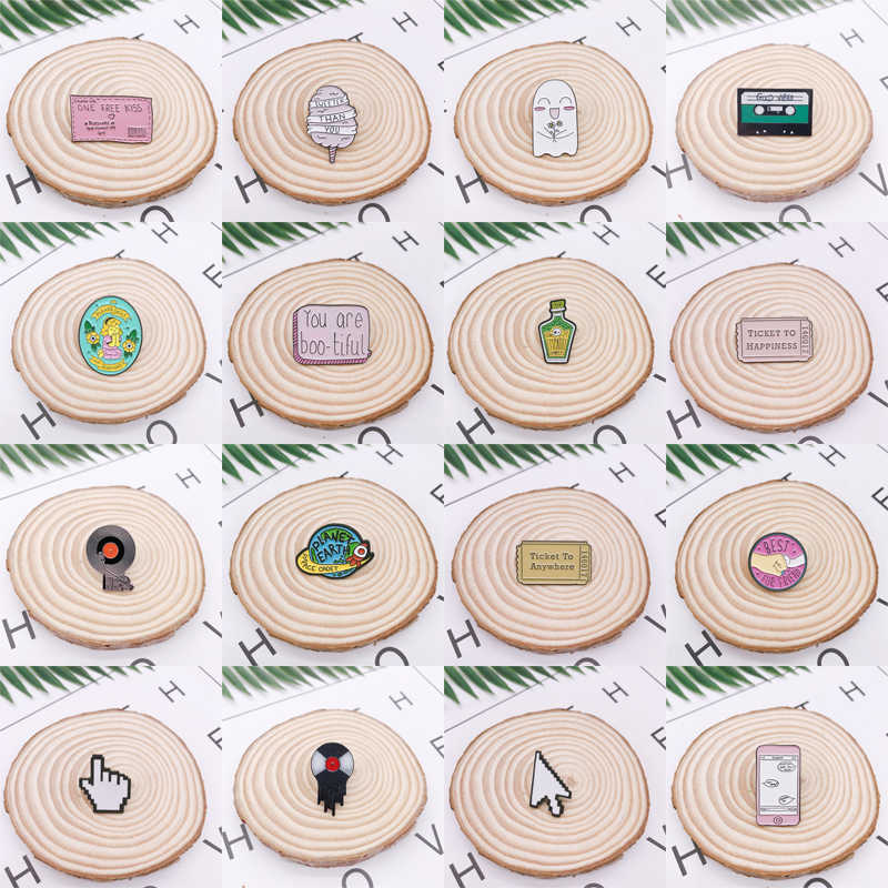 Kartun Geometri CD Musik Tape Mouse Pink Enamel Bros Penerbangan Tiket Botol Hantu Planet Pin Lencana Perhiasan Hadiah untuk anak