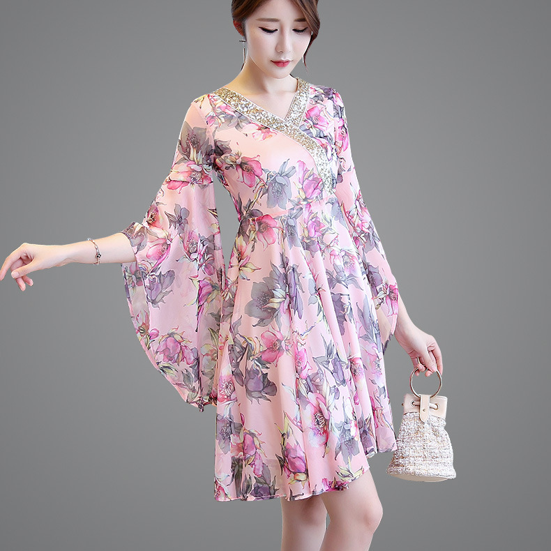 2019 Summer New Products Capri Large Bell Sleeve WOMEN'S Dress Printed Chiffon Dress V-neck Korean-style Slim Fit A- Line Skirt