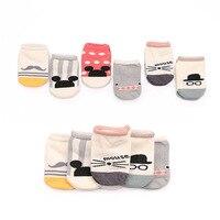 Новинка коллекции 2016 года горячая распродажа милые носки для маленьких мальчиков и девочек из хлопка модные мягкие носки-тапочки для малыш...