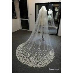 Высококачественная вуаль для невесты с лепестками на заказ, женская свадебная вуаль с объемными цветами, свадебная вуаль ручной работы, акс...