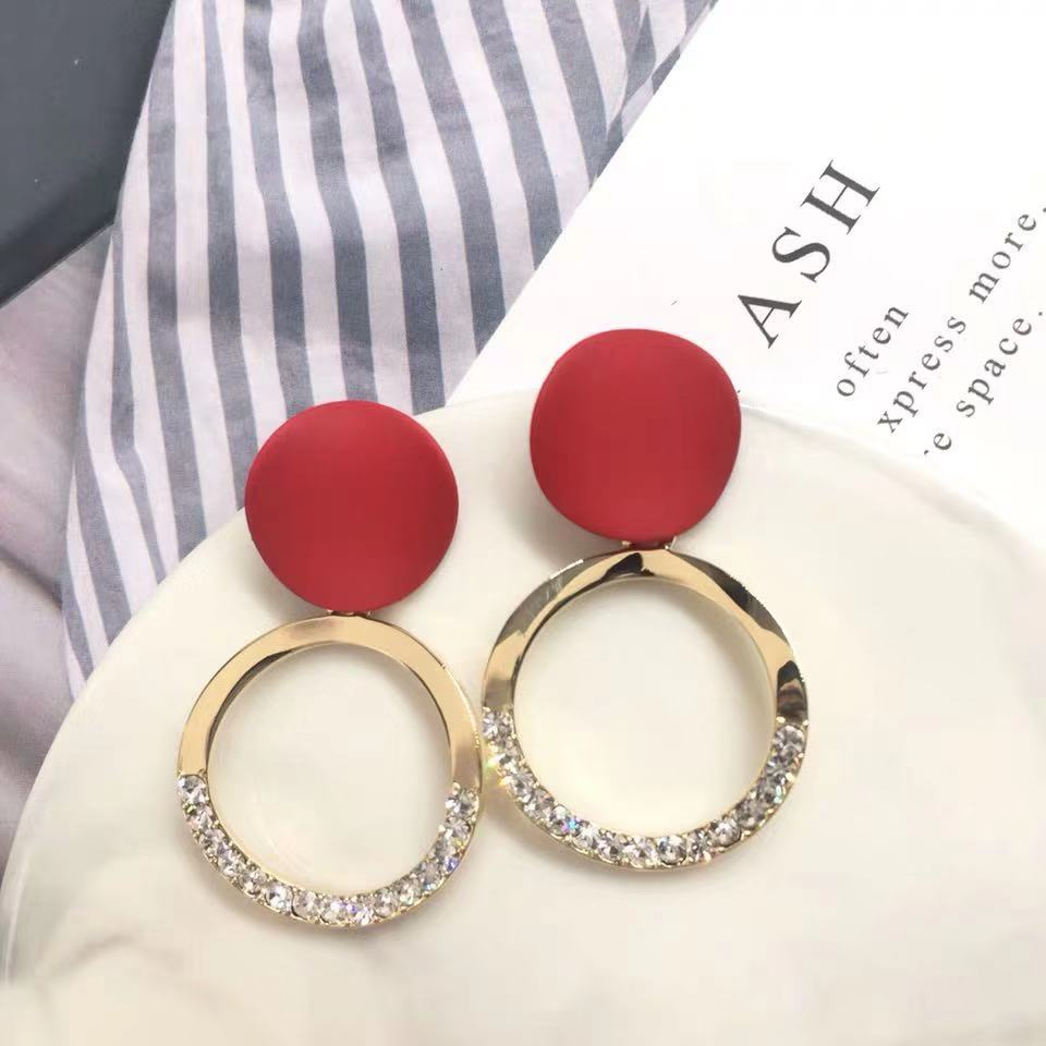 Personality Trend Elegant Fashion Simple Metal Retro Fashion Stud Earrings Prevent Allergy High Quality Round Geometric Earrings