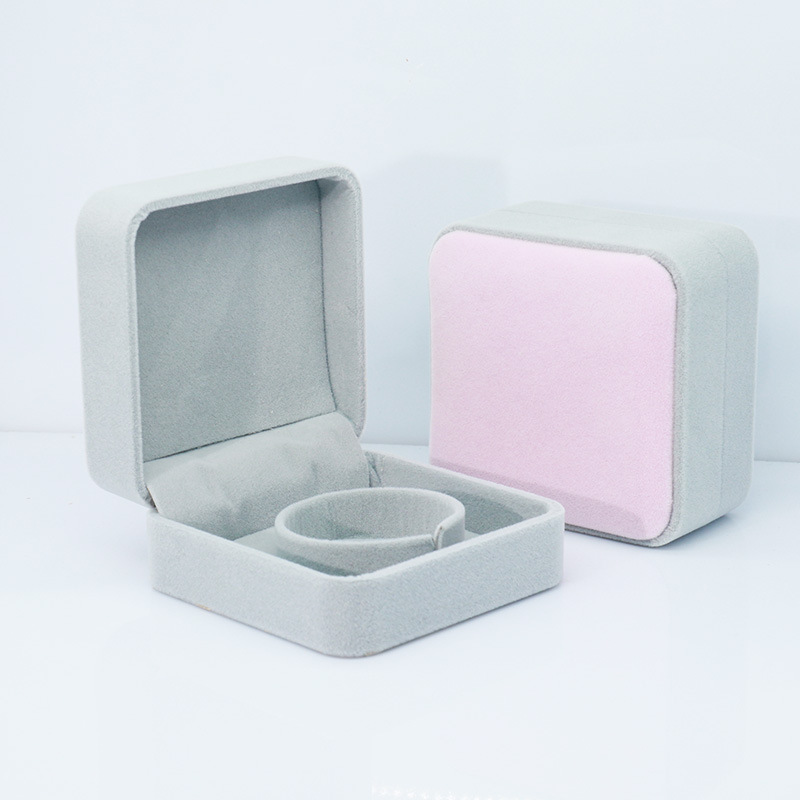 ATTRACTTO Pink&Grey Plush Bracelet Box Pounches Packing Box For Necklace Bracelet Earrings Jewelry Packaging Plush Box SXR190001