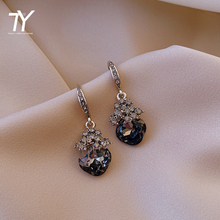 2020 new exquisite and elegant crystal flower lady Earrings Fashion grey Crystal Gemstone Pendant Earrings luxury jewelry