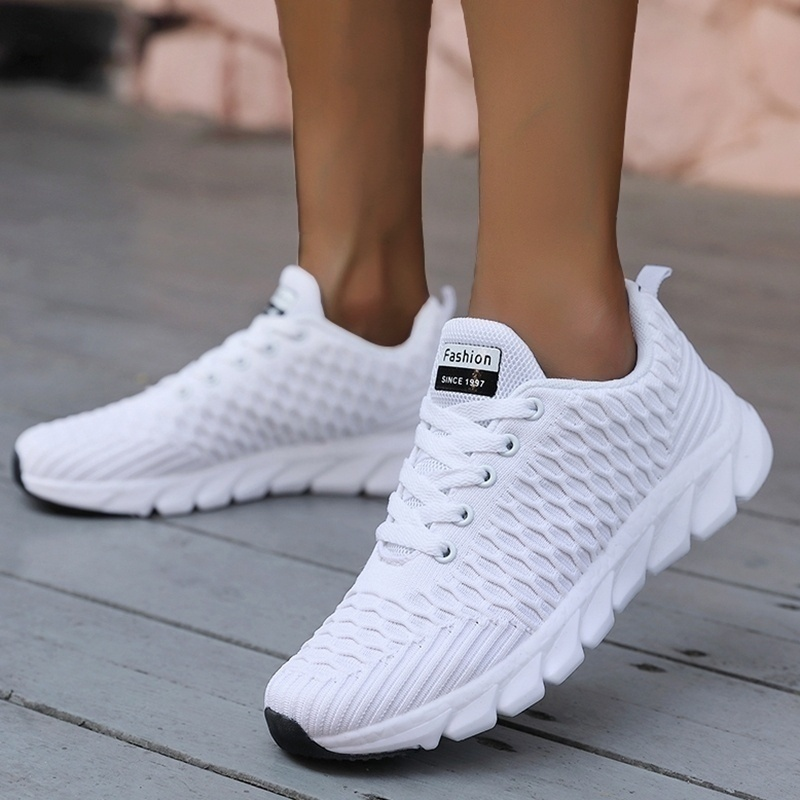 2019 Mesh Women Sneakers Breathable Women Flat Shoes Lightweight Casual Shoes Ladies Lace up Deportivas Mujer Chaussures Femme