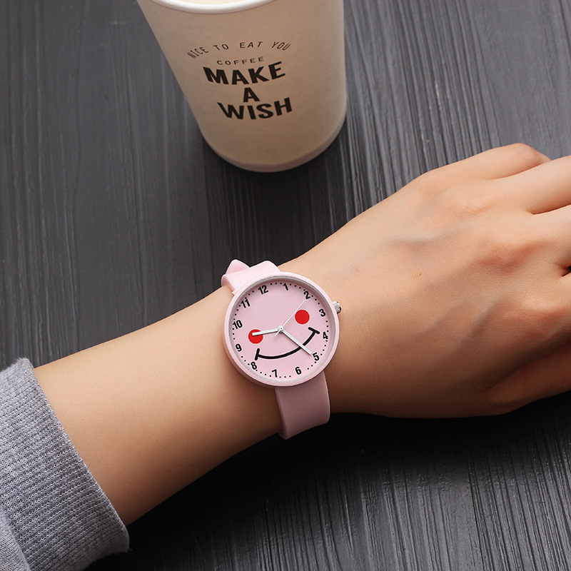 2019 New Happy Smile Face Girls Watches Kids Baby Clock Children Digital Watch Kid Rubber Strap Hours Bracelet Christmas Gift