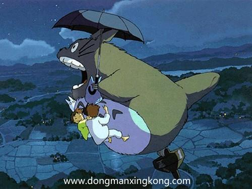 【动漫推荐】《龙猫》你看,树枝上站着一只龙猫