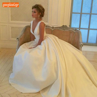 Excellent Ivory V Neck Wedding Gowns Sleeveless Satin Princess Bridal Dress Long White Ball Gown Chapel Train Wedding Dresses