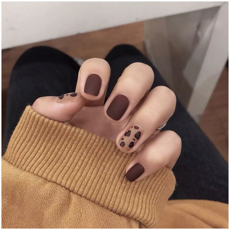 Leopord Pattern Fake Nails Patch Nail Tip Women's Finished Product Dull Polish Short Shaking Voice Network Red Celebrity Style W