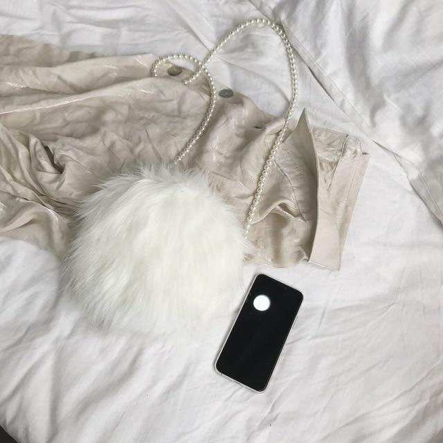 White shoulder bag fashion faux fur handbag soft and comfortable suede handbag round autumn and winter hot mini pearl chain bag 2