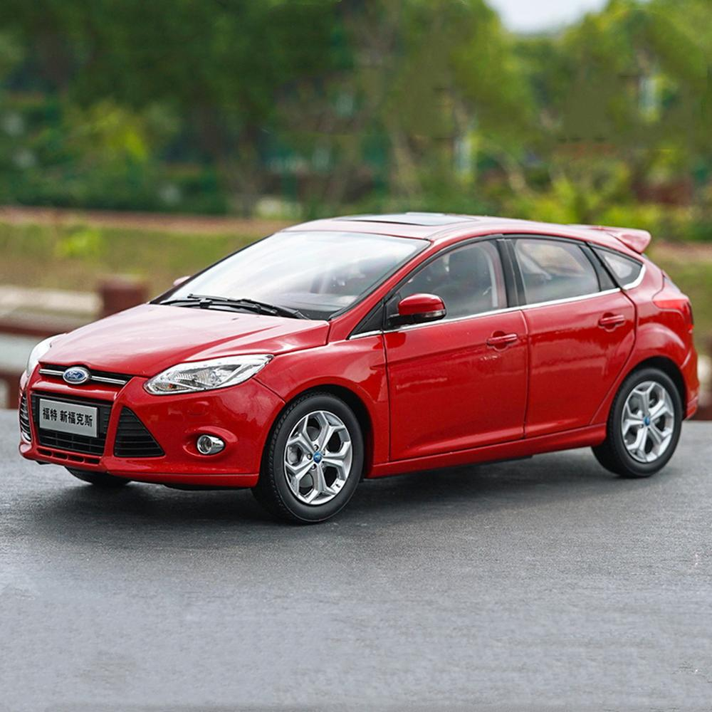 1/18 Scale Ford Focus Hatchback 2012 Red Diecast Car Model Toy Collection