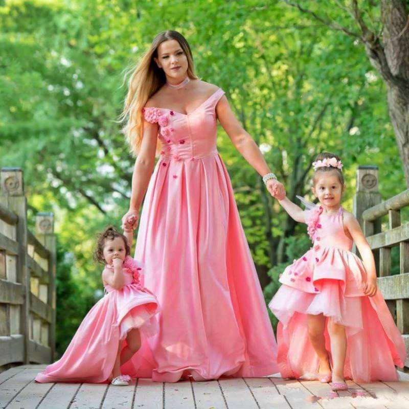 Pink High Low Mother Daughter Flower Girl Dresses For Wedding Halter Neck Little Girls Pageant Dress Tiered Satin First Communi