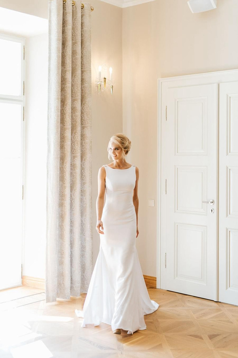 Elegant Scoop Neck Mermaid Simple Wedding Dresses 2019 White Ivory Backless With Beading Crystal Bridal Gowns vestidos de noiva in Wedding Dresses from Weddings Events