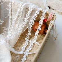Hot 5 Yards Floral Venise Lace Trim for Garment Curtain Decorcation High Quality Venice Lace Fabrics 1.1cm Width